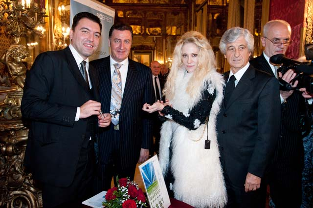 201217495__cenadigala1.jpg